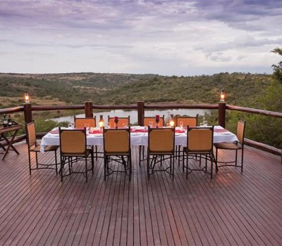 elephant-rock-private-safari-lodge-evening-dinner